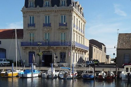 Marseillan port-customs house