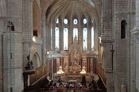 Béziérs Cathedral choir