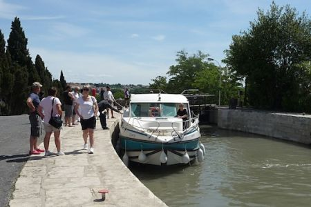 Neuf Eclusiers on Canal du Midi
